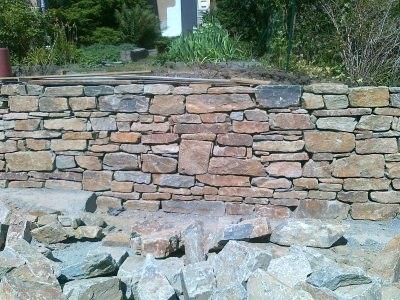 Setzen einer Steinmauer 2